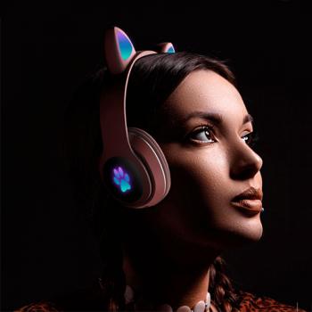 Детские беспроводные наушники Cat Ear Headphones - L400 с кошачьими ушками, лапки светящиеся. Светло-розовые